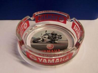 Popelník s motivem Yamaha - moto