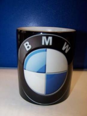 Hrnek s logem BMW