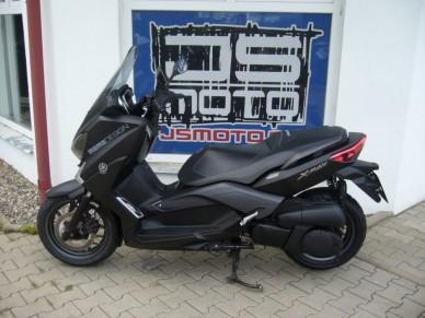 Yamaha X-Max 250i Limited Edition Momodesign
